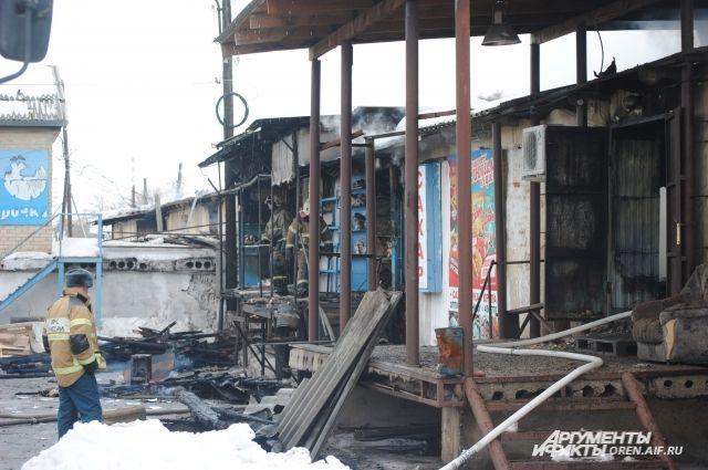 Пожар на складе кондитерских изделий в Оренбурге ликвидирован
