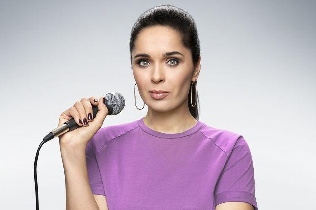 В новом шоу Ахмедова объединила два любимых жанра – реалити и стендап.
