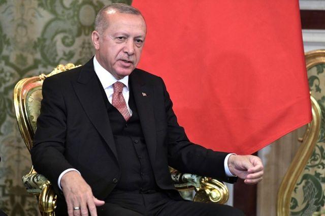 Эрдоган рассказал о гибели трех турецких военнослужащих в Идлибе