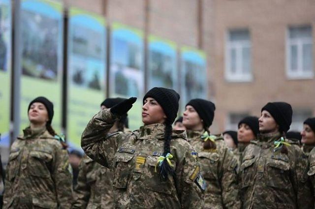 Рада хочет криминализировать надругательство над военными и военной формой