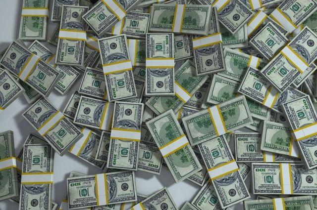 Доллар на бирже Москвы вырос до 66 рублей