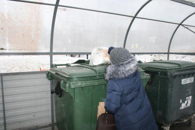 Жителям Энгельса продают талоны на вывоз мусора