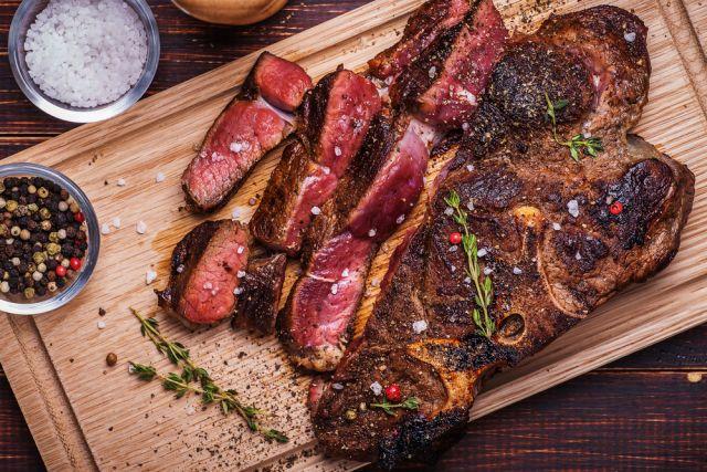 Красное мясо нельзя есть представителям IV группы крови.