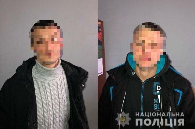 В Киеве правоохранители задержали мужчин за незаконное хранение оружия и боеприпасов