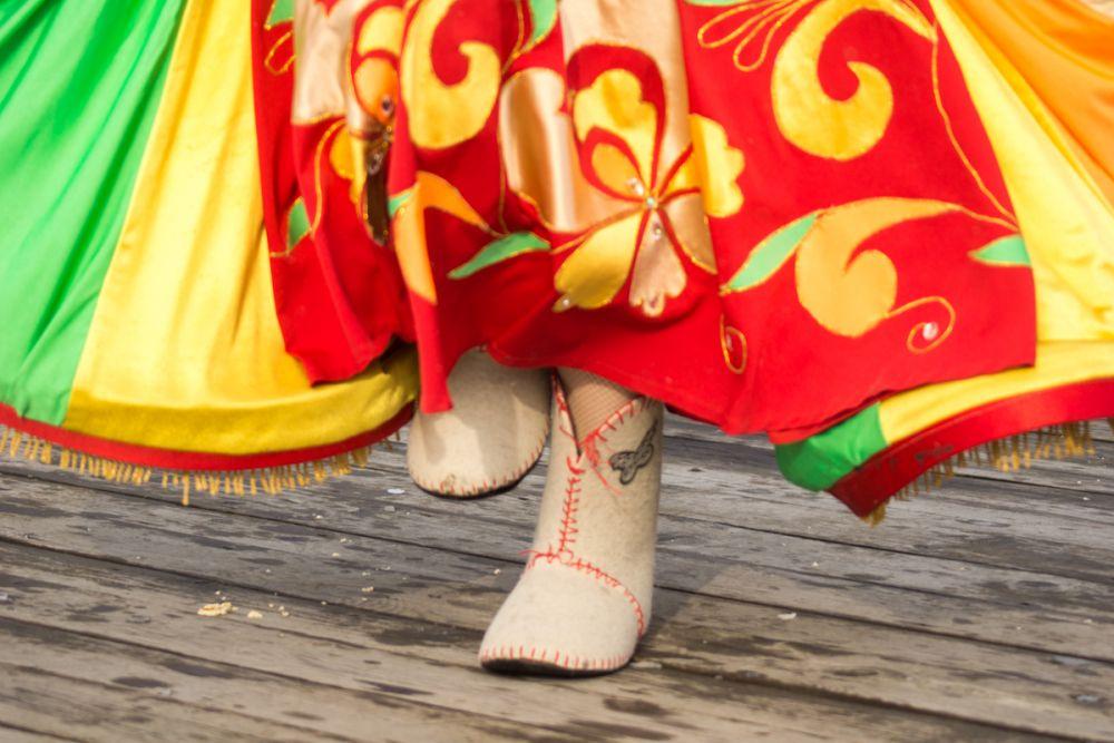 В черевичках даже в мороз танцевать тепло!