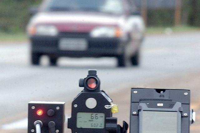 Передвижные радары, определяющие скорость авто, на Смоленщине стоят в 92 местах.