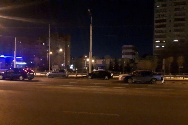 Пьяный тюменец спровоцировал массовое ДТП на улице Широтной