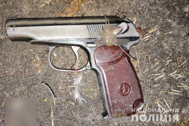 В Киевской области мужчина открыл стрельбу по правоохранителям