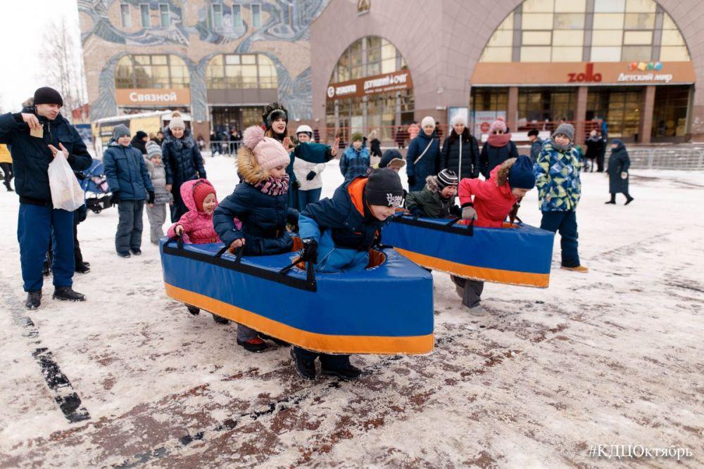 «Гонки в лодках» радовали не только детей, но и взрослых