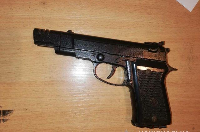 В Днепропетровской области мужчина выстрелил прохожему в лицо: подробности