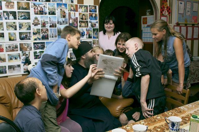 Центр активно работает с детьми. И основное внимание уделяется их воспитанию и передаче им семейных и духовных ценностей.