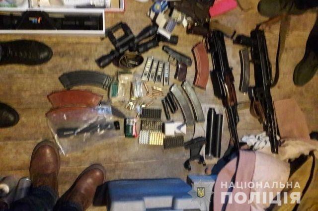 На Киевщине во время спецоперации изъяли оружие и боеприпасы