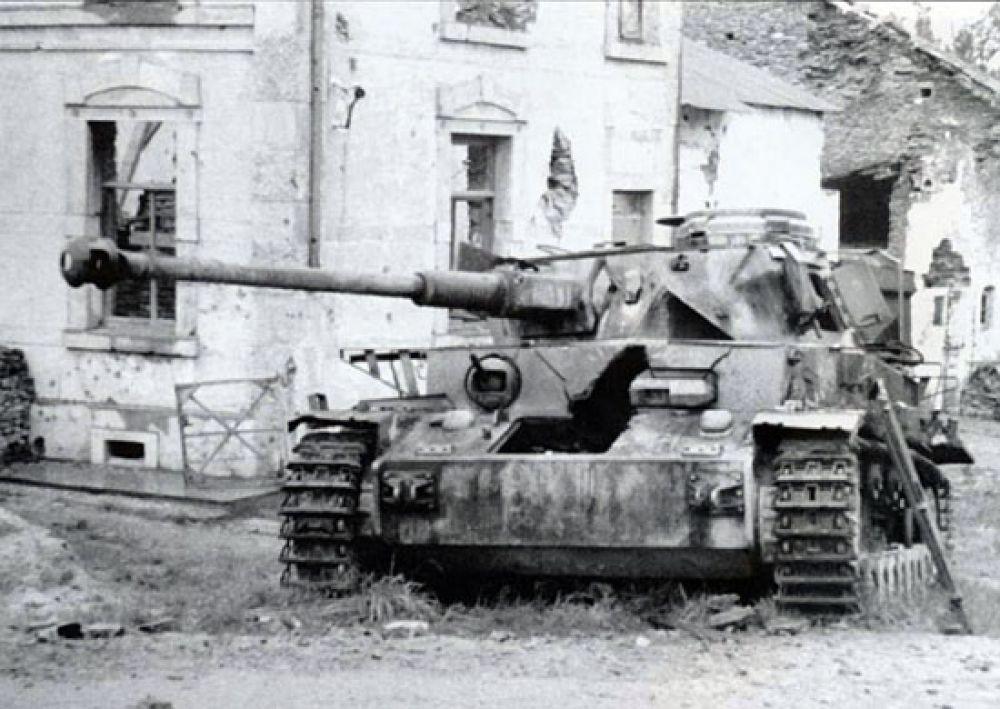 Техника, брошенная фашистами в районе озера Балатон.