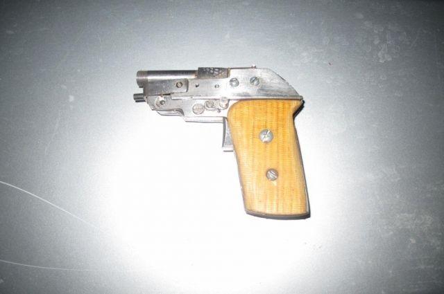 Житель Оренбургской области хранил у себя дома самодельный пистолет