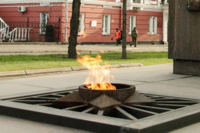 посетители данного вечный огонь барнаул фото знает