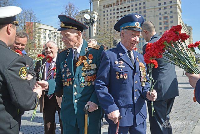 В Прикамье ветеранов 9 мая поздравят семейные отряды Волонтёров Победы.