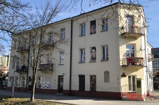 Дом по улице Планты, где 4 июля 1946 г. состоялось массовое убийство евреев.