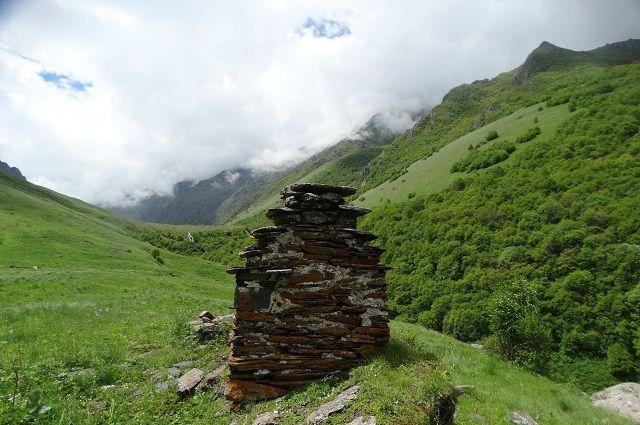 Возле святилища Амгали-Ерды в Ингушетии нашли около 300 бычьих рогов