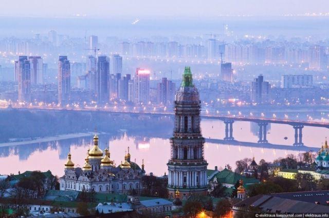В центре Киева перекроют движение транспорта из-за ремонта