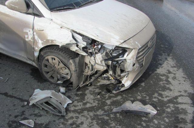 В Ижевске женщина-водитель на Toyota RAV4 устроила ДТП с пострадавшими