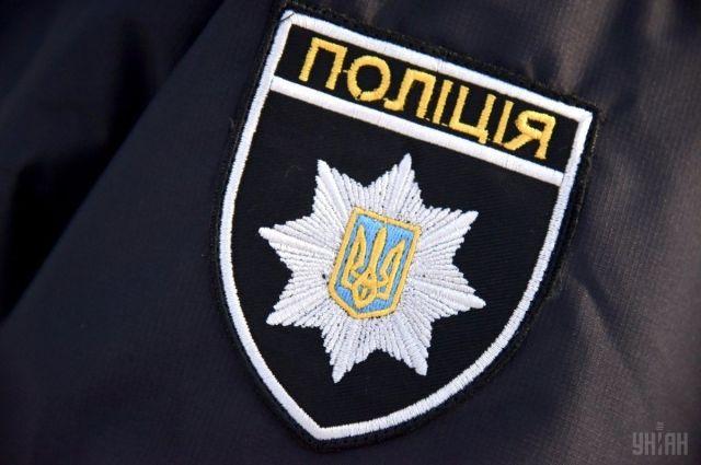 В Киеве возле кафе мужчина ударил оппонента ножом в грудь