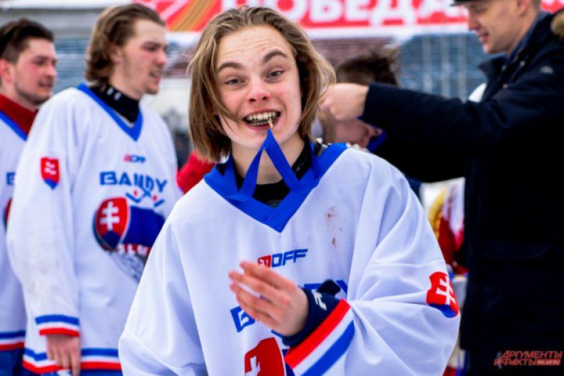 В итоге Словакия стала бронзовым призёром чемпионата мира по бенди среди команд группы В.