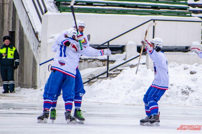 Первые полчаса встречи ни одна из команд не хотела уступать, однако на 32 минуте матча игрок Словакии открыл счёт.