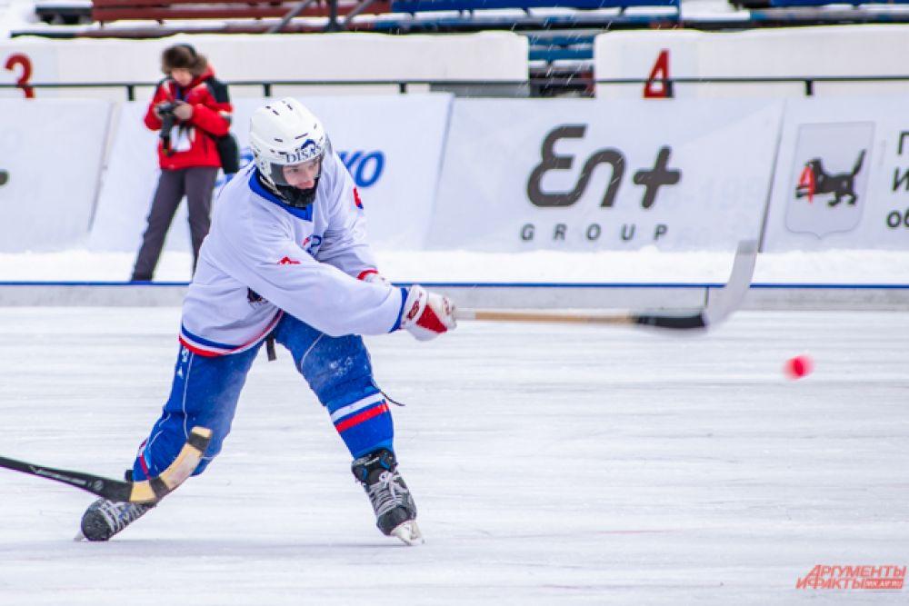 Но спустя четыре минуты Словакия нанесла ответный удар, а ещё через 6 минут обогнала соперников.