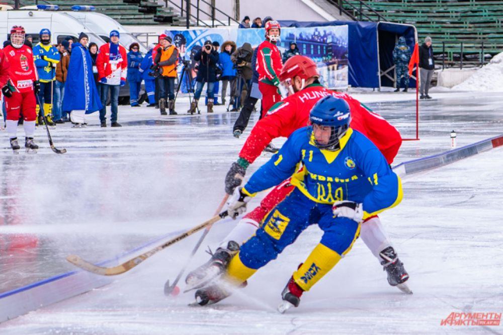 Решающий матч состоялся 6 марта в 15:00 на стадионе «Труд».
