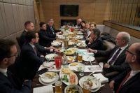 Зеленский обсудил с послами G7 дальнейший курс Украины