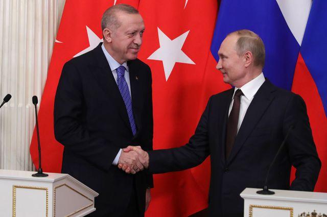 5 марта 2020. Президент РФ Владимир Путин и президент Турции Реджеп Тайип Эрдоган во время пресс-подхода по итогам российско-турецких переговоров.