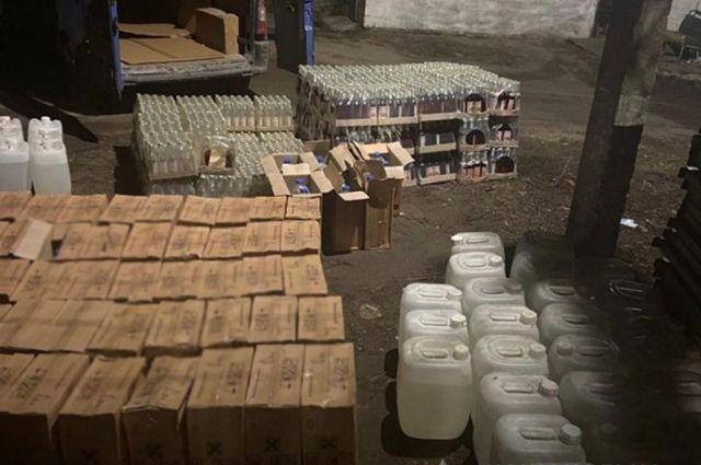 В Донецкой области полицейские изъяли партию фальсифицированого алкоголя