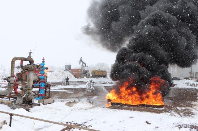 Учения позволили отработать навыки и механизмы проведения аварийно-спасательных работ на объектах нефтегазодобычи.