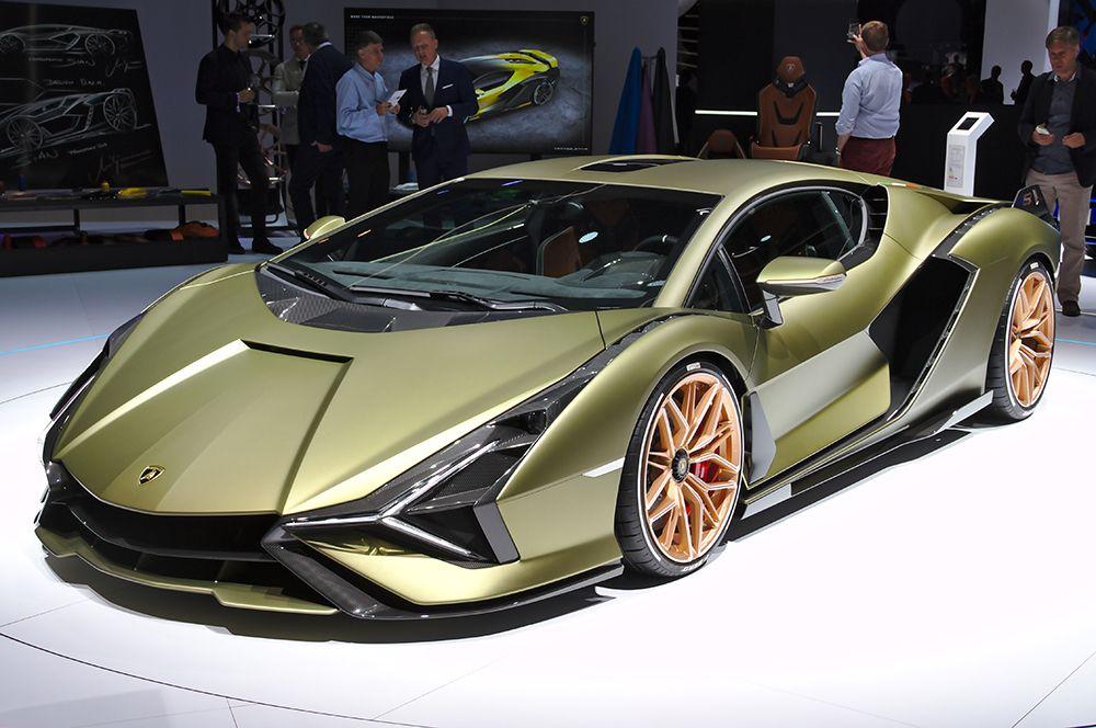 Lamborghini Sian — 3,6 млн. Суперкар, созданный по мотивам концепта Terzo Millennio, его название в переводе с одного из европейских диалектов означает «молния».