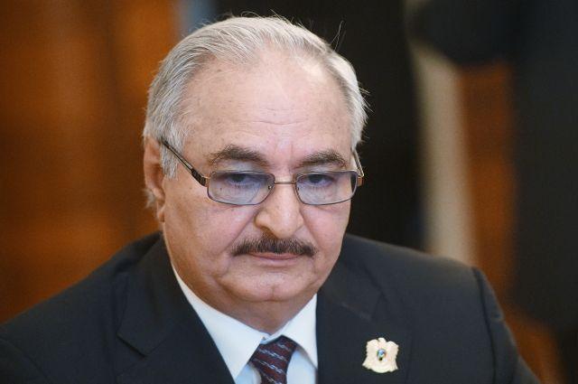 Хафтар сообщил Макрону о готовности к перемирию с ПНС Ливии — СМИ