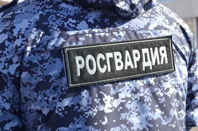 Сотрудники Росгвардии Оренбургской области нашли двух потерявшихся граждан