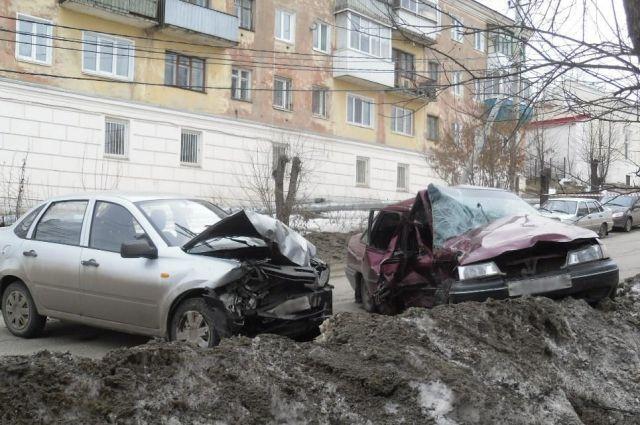 В Сарапуле в аварии погиб водитель Daewoo Nexia