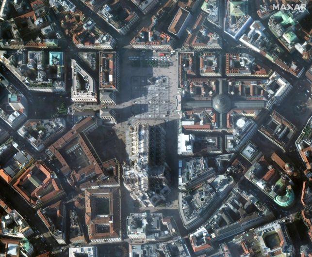 Площадь перед Миланским собором, Италия. 22 января 2020 года.