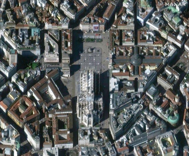 Площадь перед Миланским собором, Италия. 3 марта 2020 года.
