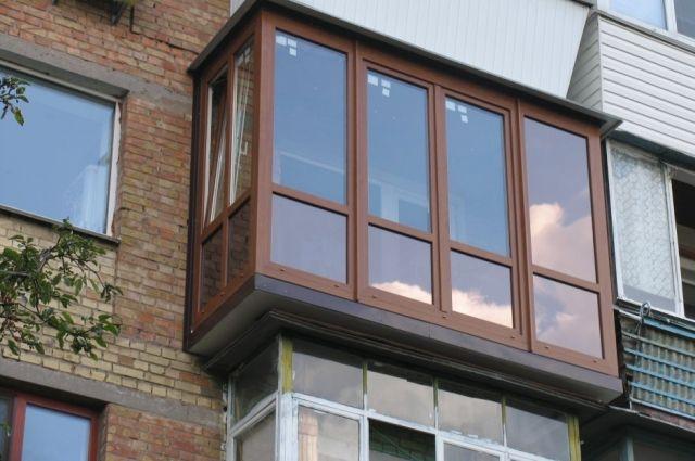Во Львовской области ребенок выпал с балкона квартиры