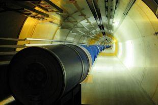 Физики-ядерщики из Новосибирска создали покрытие для реконструкции вакуумных камер Большого адронного коллайдера.