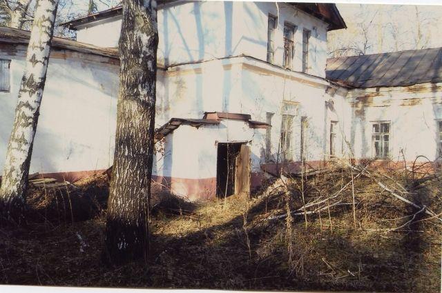 Один из старинных корпусов госпиталя.