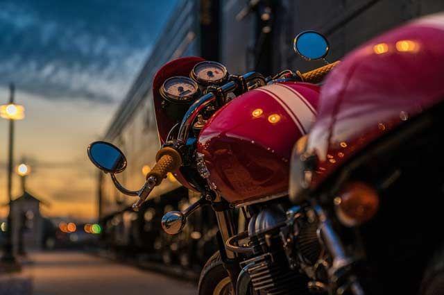 В центре Калининграда сгорел мотоцикл