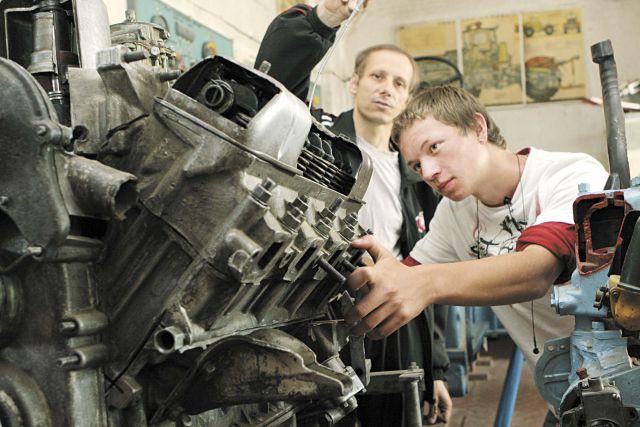В Украине изменят систему профессионального образования
