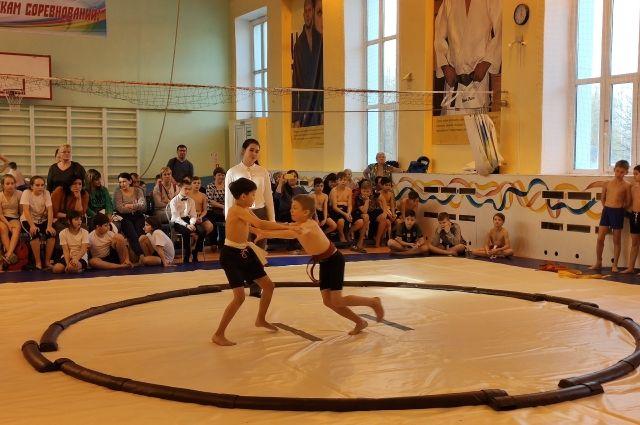 В Тюмени прошли первые соревнования по сумо