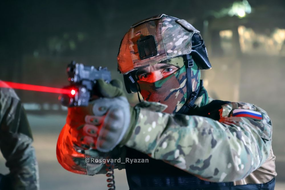 Офицер СОБР. Ночная тренировка по стрельбе