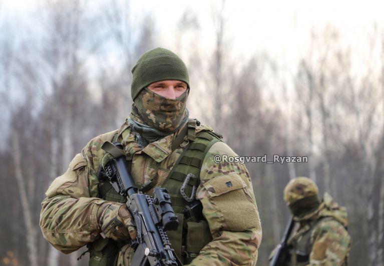 Офицер СОБР. Полевой выход