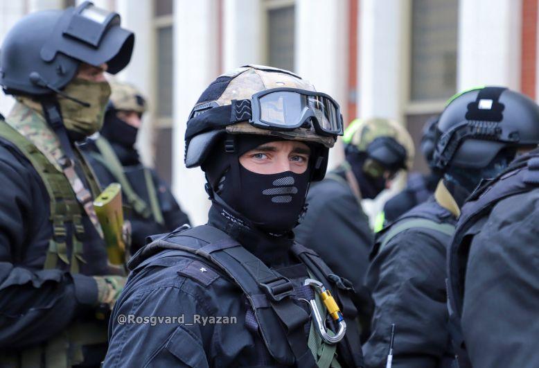 Офицер СОБР. Учебная спецоперация по освобождению заложников