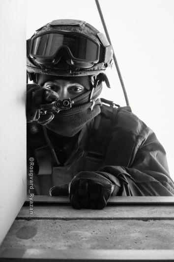Боец ОМОН. Высотная подготовка