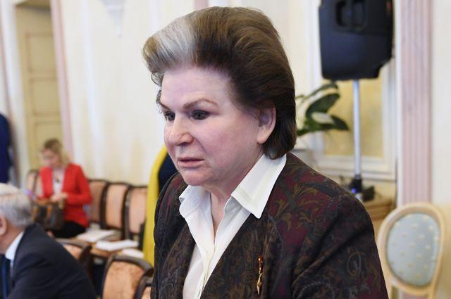 Валентина Терешкова на заседании рабочей группы по внесению поправок в Конституцию.